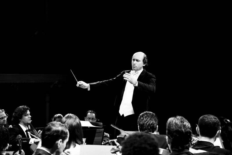 helder Trefzger, maestro titular da Orquestra Sinfônica