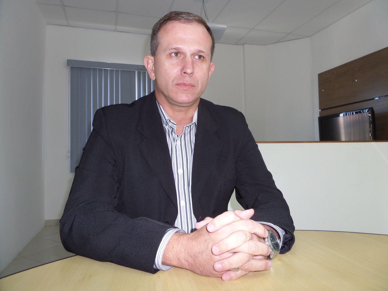 Coronel Nylton Rodrigues. Serra - ES