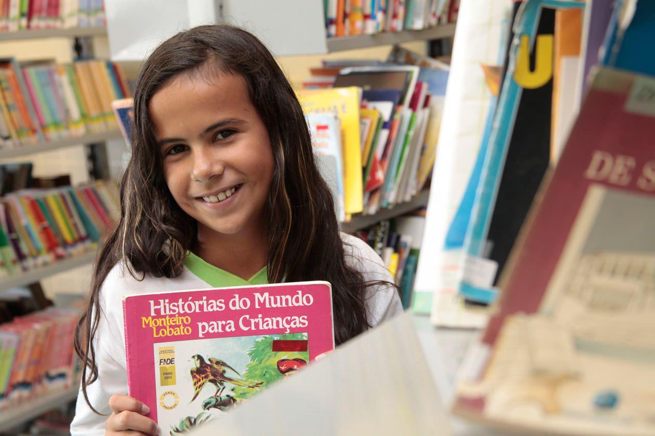 Milhares de livros para empréstimo gratuito em Biblioteca na Serra