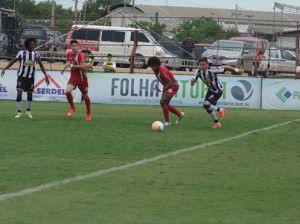 O primeiro jogo teve mando de campo do Atlético foi disputado no Engenheiro Araripe em Cariacica, mas quem se deu bem foi o Real: 2x1.  Foto: Karen Porto