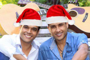A dupla Higino e Gabriel que já está em ritmo de Natal é uma das atrações da noite do dia 25. Foto: Divulgação