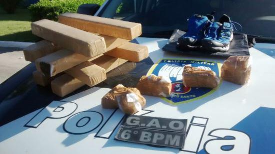 A droga apreendida foi encaminhada para ao plantão policial de Boa Vista. Ninguém foi preso. Foto: Divulgação PM