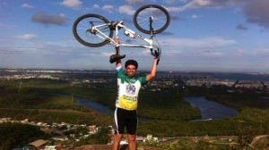 Lindomar é morador de Colina de Laranjeiras e atua como árbitro de ciclismo há dois anos. Foto: Divulgação/Arquivo pessoal