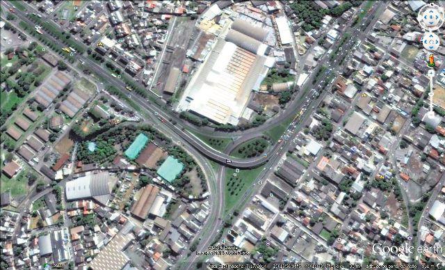 Trevo de Carapina, este é um dos maiores gargalos do traçado da BR na Serra que no futuro deverá ser transformado numa avenida municipal.