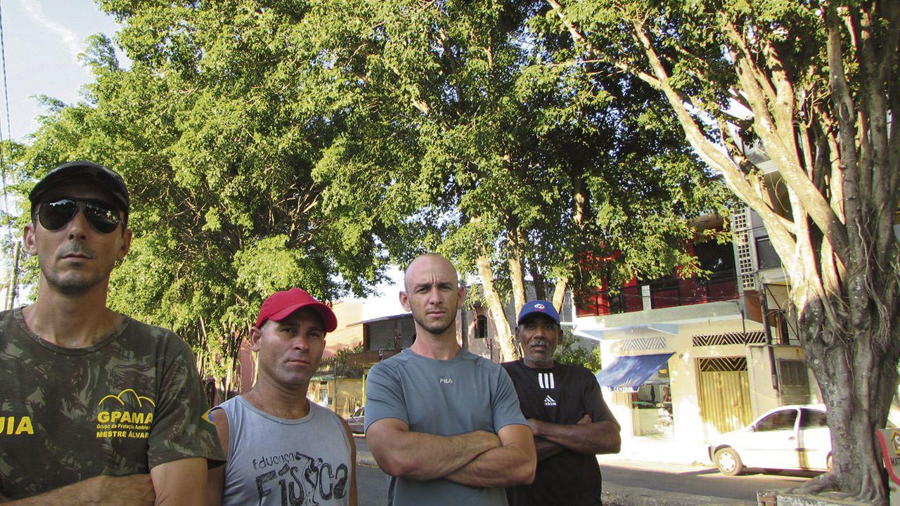 Grupo de moradores e ativistas está preocupado com o aumento do calor caso as plantas sejam cortadas. Foto: Bruno Lyra