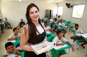 Inscrições para professores são até o dia 29 e o salário é de R$1,9 mil. Foto: Divulgação
