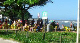 Até o verão de 2014 o cercamento da restinga de Manguinhos ainda estava de pé. Foto: Arquivo TN