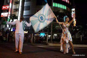O mestre sala Eduardo Belo e a porta bandeira Sayuri Kame são novidades para o carnaval da Tradição deste ano. Foto: Divulgação