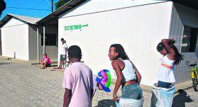 Improviso.Os alunos da escola Valeriana estudam em salas de                         aula de PVC desde 2009 e dizem que o calor no espaço é muito forte. Foto: Divulgação