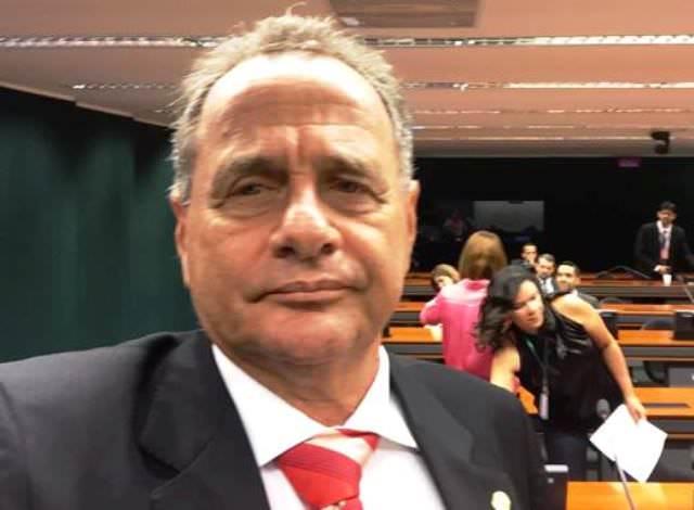 Carlos Manato segue para o quarto mandato de deputado federal. Foto: divulgação Facebook