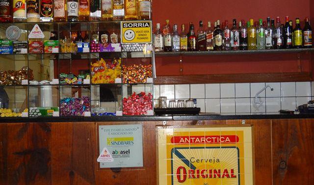 A Lei determina o fechamento de estabelecimentos que comercializam bebida alcoólica no município a partir da 1h da manhã. Foto: Arquivo TN