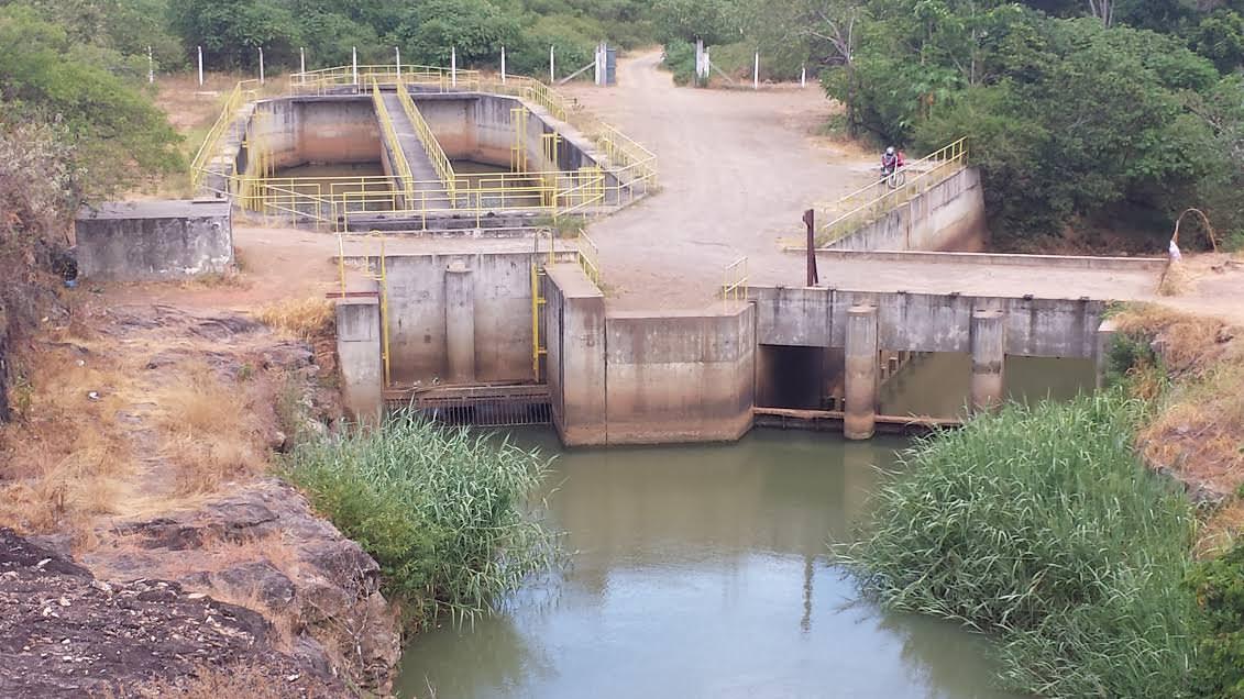Na última segunda (23), as águas estavam claras e baixas na captação do rio na zona rural da Serra. Foto: Bruno Lyra