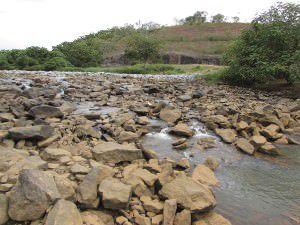 Situação do rio Santa Maria da Vitória, que abastece a Serra, em 23 de fevereiro deste ano. Foto: Arquivo TN/Bruno Lyra