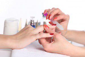 O curso de manicure é um dos oferecidos pelo projeto. Foto: Divulgação