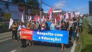 A manifestação acontece neste momento próximo ao viaduto de Carapina. Foto: Divulgação