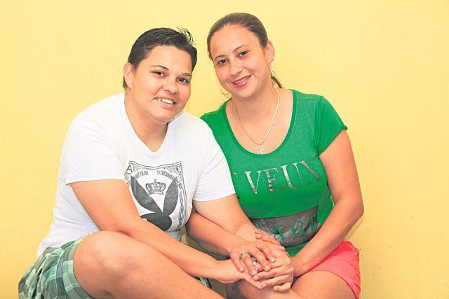 Marlana e Josiane estão juntas a mais de 2 anos. Foto: Edson Reis