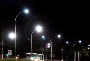 Serão instaladas 200 lâmpadas de vapor metálico. Foto: Divulgação