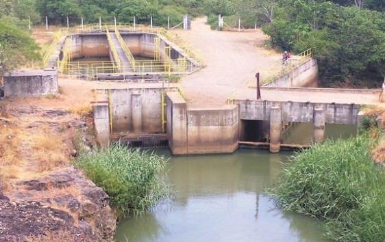 Captação no rio Santa Maria na região de Queimado: seca prolongada pode deixar a Serra e a região mais industrializada do Espírito Santo sem água. Foto: Arquivo TN