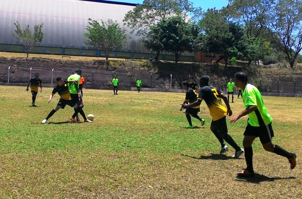 O Juventus de verde venceu por 3x0 o Borussia, de amarelo e preto. Foto: Divulgação