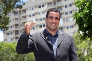 Allan vendeu 65 imóveis e movimentou R$ 13 milhões em negócios em um ano. Foto: Edson Reis