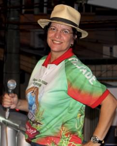 A cantora Suzi Martins também já cantou com a Rosas de Ouro na Avenida. Foto: Divulgação