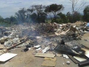 Dois dias após a limpeza, moradores já tinham colocado até fogo no local. Foto: Divulgação