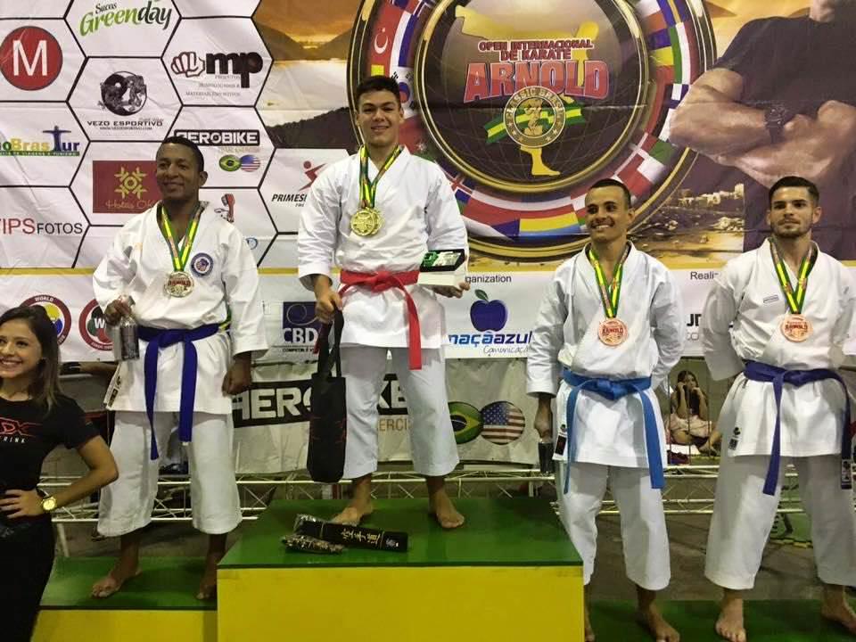 Bruno faturou três ouros na competição. Foto: Reprodução Facebook Bruno Conde