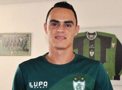 O jogador Vitinho, atua no América-MG. Foto Divulgação/América Mineiro