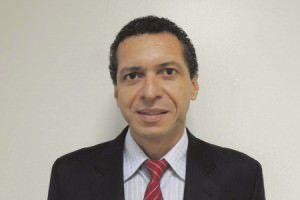 Gilmar Guanandy  é dono da Fibravit, localizada na região de Carapina
