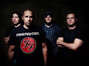 A banda Everlong - cover do Foo Fighters - é uma das atrações deste sábado (9). Foto: Divulgação