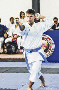 O karateca faturou duas medalhas de ouro e uma de bronze na 3ª Etapa do Campeonato Estadual de Karatê. Foto: Divulgação