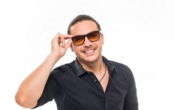 O cantor fará três horas de show no sábado no Pavilhão de Carapina. Foto: Divulgação