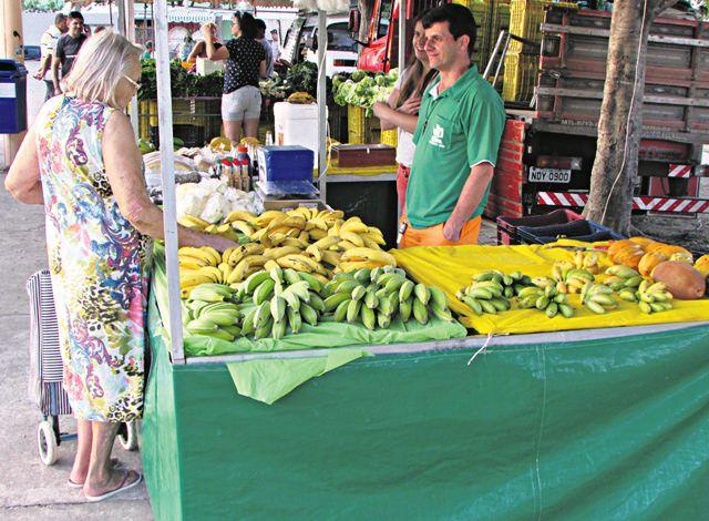 Feira orgânica de Colina de Laranjeiras: busca por alimentos mais saudáveis gera emprego e renda para feirante e produtores rurais. Foto: Joatan Alves