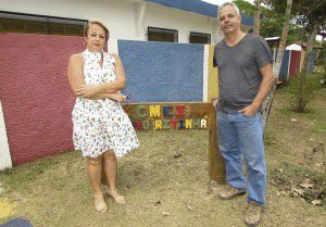 Os líderes comunitários Ieda Gazen e Marcelo Vargas, dizem que escola e posto de saúde já estão sobrecarregados. Foto: Fábio Barcelos