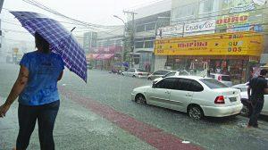 Previsão de chuva forte  deixa cidade em alerta