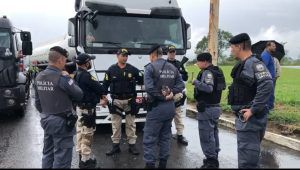 Justiça autoriza liberação de caminhões com combustíveis no Estado