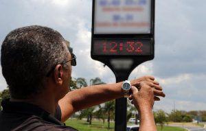 Presidente Bolsonaro extingue horário de verão