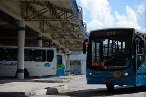 Com multa de R$ 200 mil, rodoviários serão obrigados a manter ônibus circulando na sexta
