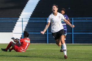 Gabi de Manguinhos segue noTimão e quer voltar à Seleção