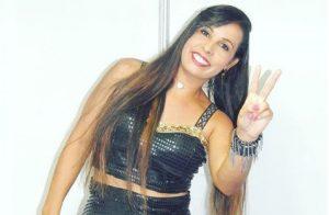 Cantora de Nova Almeida lança nova música para o verão