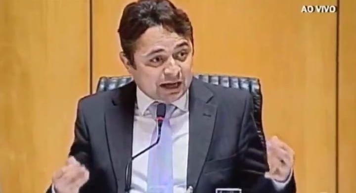 """""""O Contorno vai ser construído com dinheiro público para a ECO faturar pedágio"""", denuncia deputado"""