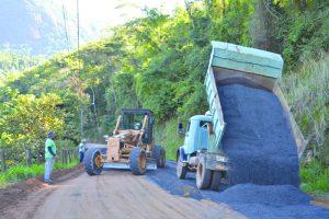 Arcelor transforma escória em Revsol para pavimentar estradas vicinais do ES