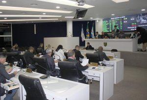 Homem que bate em mulher será proibido de ocupar cargo comissionado na Serra