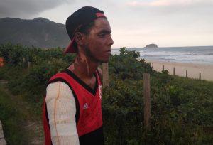 Zagueiro do Flamengo se recupera bem e descansa em hotel no Rio de Janeiro