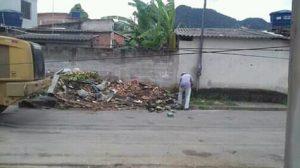 Moradores e comerciantes se únem e transformam lixão em área de lazer