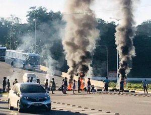 Morador da Serra protesta contra a Vale em Camburi