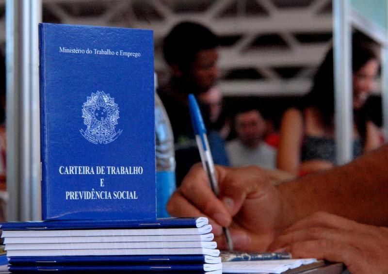 Van do Sine vai levar vagas de emprego a bairros da Serra