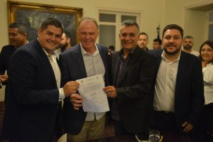 Assinada a ordem de serviço para implantação de ciclovia na Norte Sul