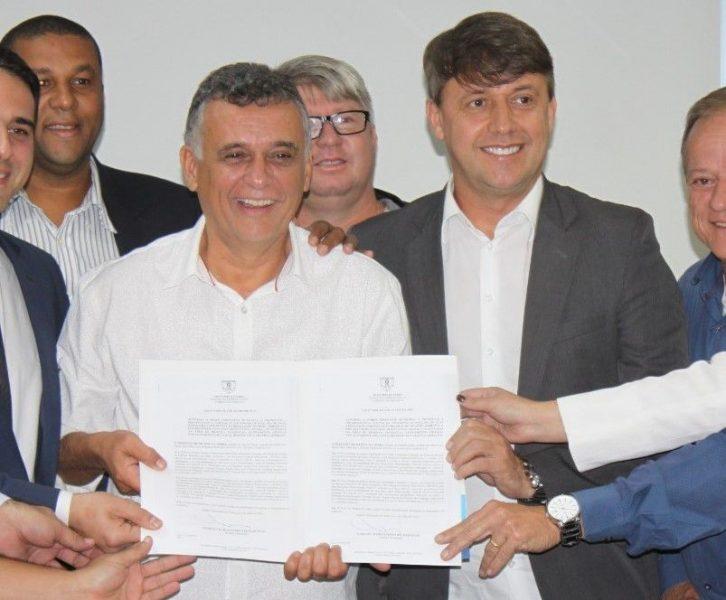 É o fim da crise institucional na Serra