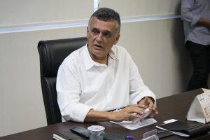 Audifax proíbe que prefeitura contrate agressores de mulheres